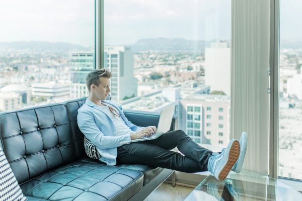 Online affiliate marketing makes money